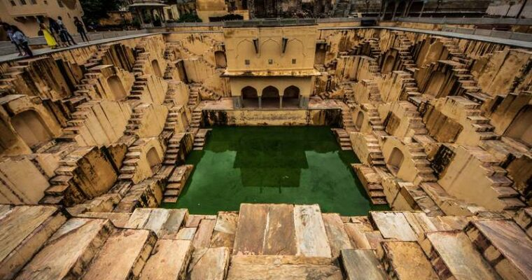 A Perfect Guide to the Most Beautiful Stepwells in India