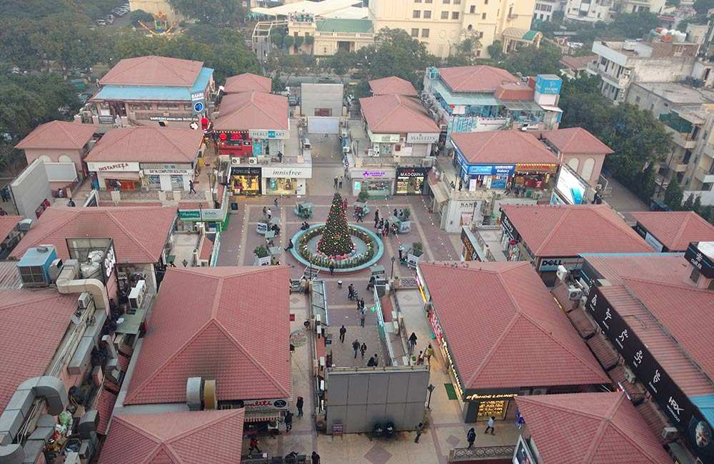 Galleria market is one of the best high-street markets in Gurgaon.